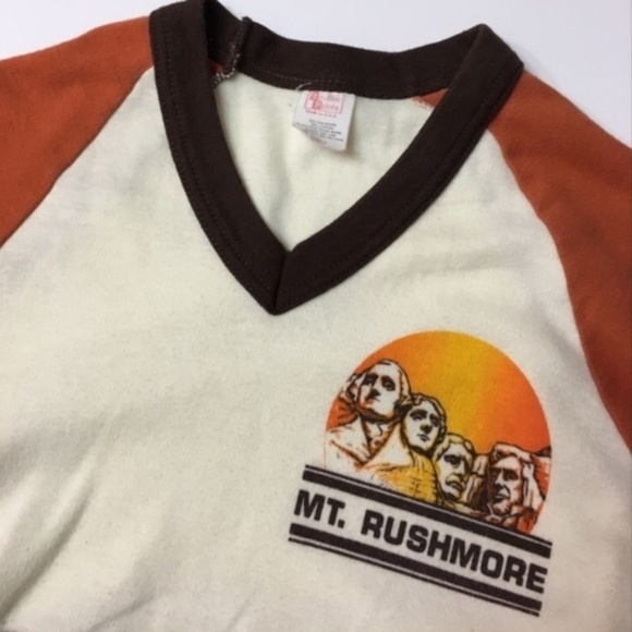 68f5e07a03bb0 Vintage 70s Mount Rushmore ringer tee mt xs